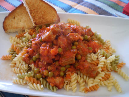 Magro con tomate y pasta
