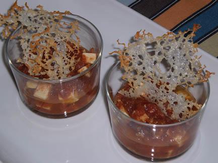 Marinado de queso con crujiente de queso manchego