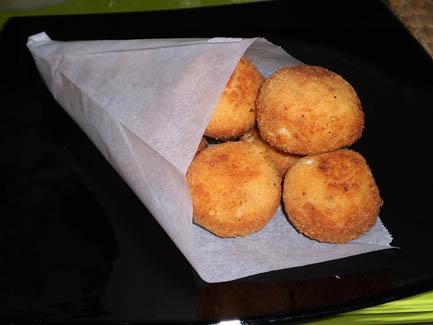 Croquetas redondas de pollo