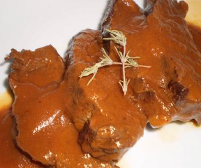Lomo de venado en salsa